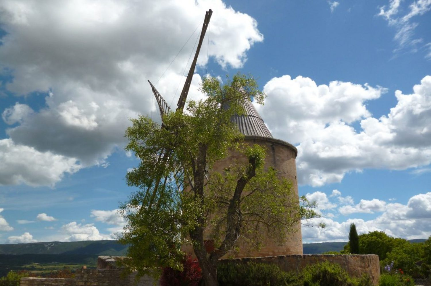 Windmill of the provençal villages